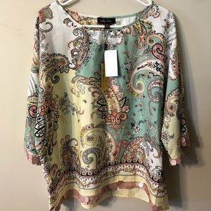 Beautiful Melissa Paige blouse